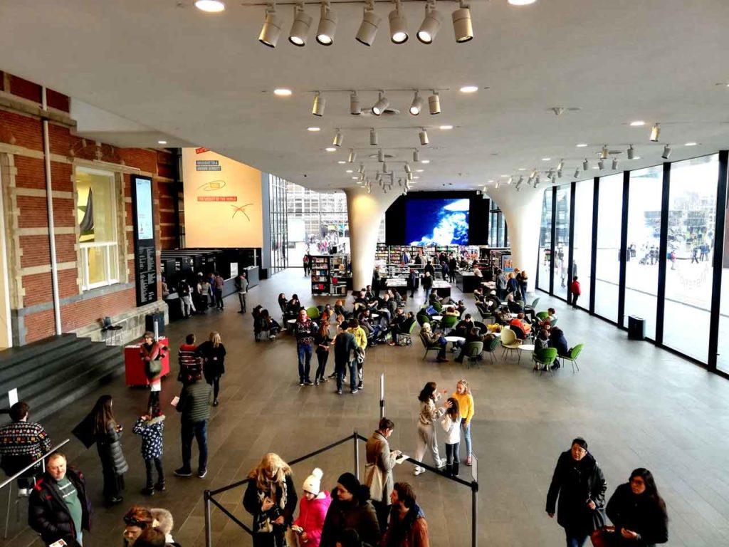Visiter le musée Stedelijk / Musée d'art contemporain à Amsterdam