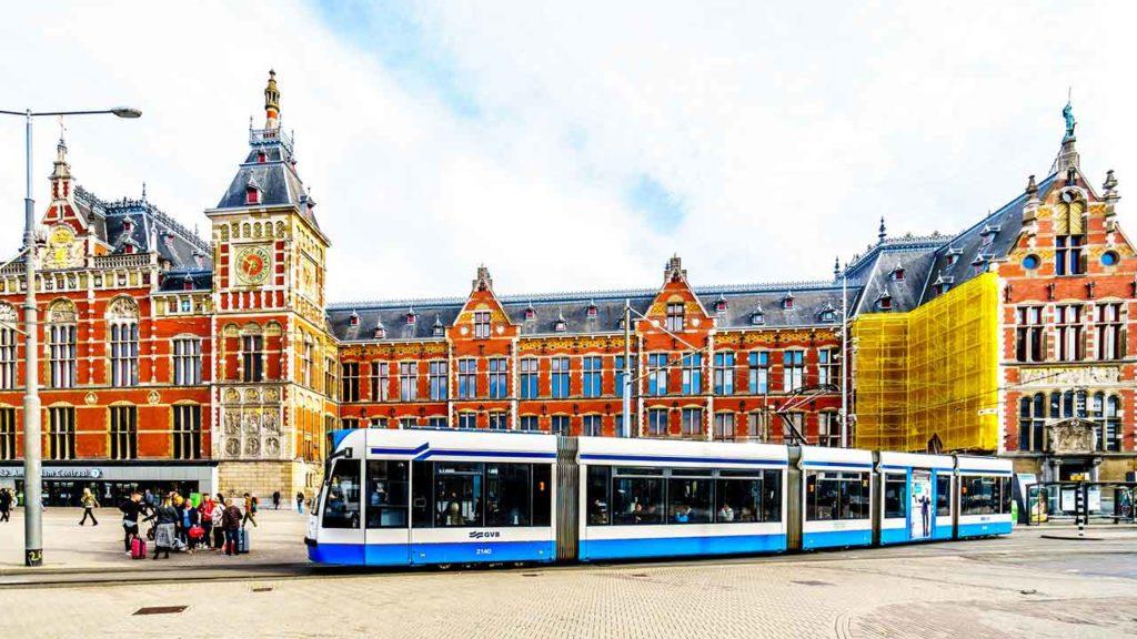 Transports publics à Amsterdam : Bus, Métro, Billets, Prix et Infos