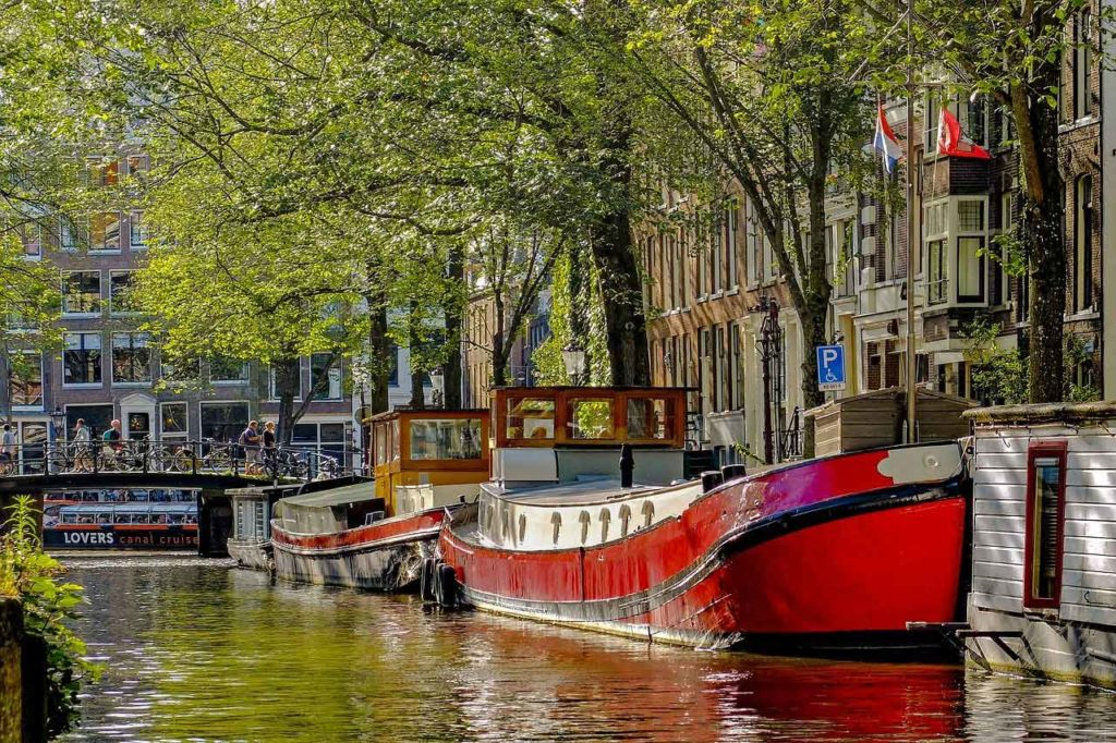 Parking au port d'Amsterdam : Tarifs, accès, conseils et informations
